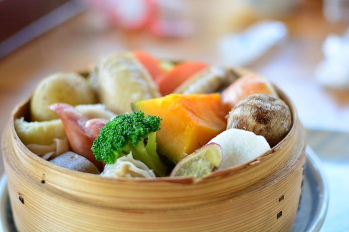根菜などを蒸した温野菜も温朝食にぴったり。