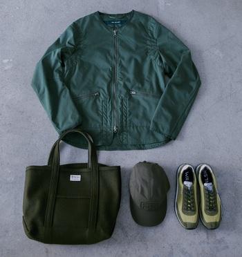 ジャケット \42,120/SAGE DE CRÊT(サージュデクレ)バッグ \13,824/ORCIVAL(ビショップ)帽子 \6,480、靴 \20,520/共にFRED PERRY(フレッドペリーショップ東京)