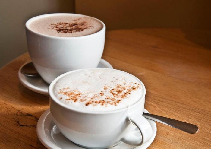 時間がないときや、食欲がないときは温かい飲み物だって立派な温朝食!ほっこり温まるホットココアやホットミルクなどはいかがですか?