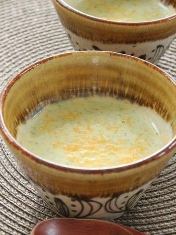 とろっと濃厚なブロッコリーとチェダーチーズのスープで、冷え込んだ朝こそしっかりと温朝食を。