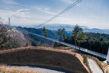 全長400mという、歩行者専用としては日本で最も長い吊り橋からは、駿河湾や伊豆の山並み、果ては富士山まで、絶景が一望できます。