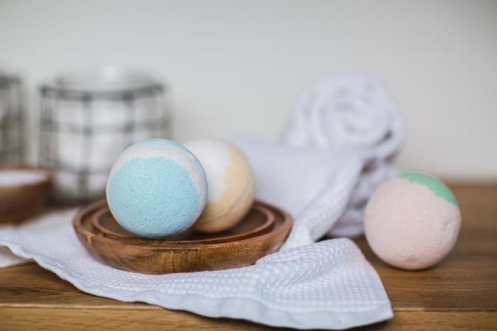 いつものお風呂に、ほんのちょっとワクワク感を♪クエン酸と重曹で作る『手作りバスボム』
