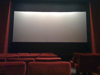 それぞれ個性的な関西のミニシアター。どのミニシアターもただ映画を紹介するだけでなく、映画と観客の関係がより深くなるよう様々な工夫を凝らしています。 私たち観客が映画を心から楽しみ、「また映画館で本当におもしろい映画に出会いたい」という気持ちが連鎖すれば、映画業界全体がきっともっと盛り上がっていくはず。関西のミニシアターにも息の長い活動を続けてもらいたいですね!