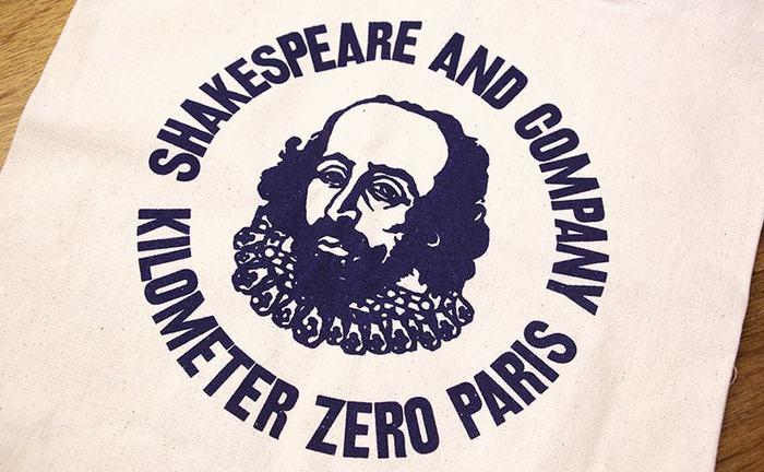 そして、誰もが知っているシェイクスピアのイラストが描かれた「シェイクスピア・アンド・カンパニー」。今回は、読書好きなら一度は訪れたい伝説の2つの書店についてご紹介します。