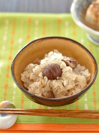 根菜ではないですが、ホクホク感を楽しめる栗も秋の食材。控えめな甘さが炊き込みご飯とよく合います。手軽に作りたいときは、市販の甘栗で作るのもOK♪