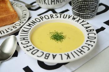 シンプルな料理程、ぐっと美味しく見せてくれます。引き立て上手なお皿なんです。