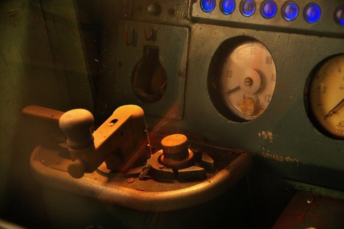 小樽市の歴史と自然、北海道の交通史、科学技術をテーマにする博物館。館内では、北海道の鉄道の歴史を知ることのできる展示や、蒸気機関車「しづか号」を展示。プラネタリウムなどを備えた科学展示室もあります。 屋外では、特急、SL、除雪車や通勤車両にいたるまで、北海道を代表する約50両の鉄道車両が保存・展示されているほか、蒸気機関車「アイアンホース号」が敷地内を走ります。