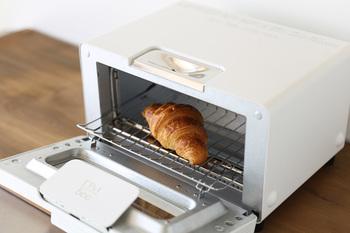 """5000枚を超える試し焼きを経て完成した、""""究極""""の名に相応しいトースターです。"""