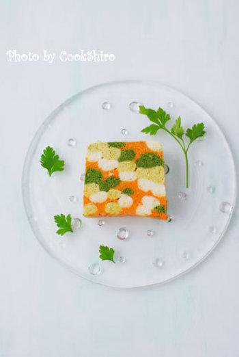 お野菜からスイーツまで、食材が変わると全く違うお料理になる「テリーヌ」。最大の魅力はカットした美しい断面なので、フォトジェニックな一皿を目指してあなたもこの週末にチャレンジしてみませんか?