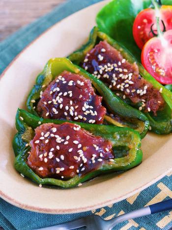 こちらもピーマンの肉詰め、アレンジレシピです。オイスターソースを使い、青椒肉絲風の中華な味に!冷蔵保存が2~3日可能なお役立ちレシピです。