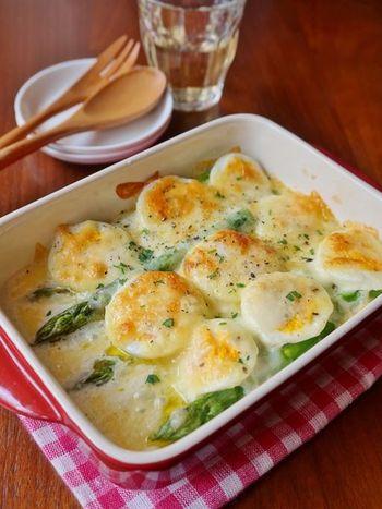 材料を重ねて焼くだけで、お子さんも喜ぶようなボリューミーな一品に!ゆで卵もアスパラも茹でて保存しておけるので、忙しい日に活躍してくれます。
