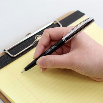 加圧インクカートリッジによって、無重力、水中、油のしみた紙にも使用可能。どんな角度でも書け、使える温度の幅も大変広いのが特徴です。