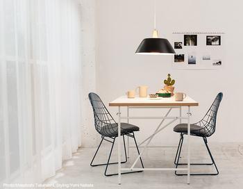 """フィンランドを代表する照明デザイナー「リサ・ヨハンソン=パッペ」が1956年に発表したイハンネ。""""理想的な""""という意味を持つペンダントライトは、照明器具としての機能の高さを追求した名品です。"""