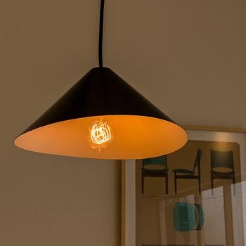 別販売の「Edison Bulb(エジソンバルブ)」に付け替えると、お部屋は一気にノスタルジックな雰囲気に!