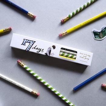 """7DAYS 7BOYS""をテーマにした2B鉛筆。ファッションイラストレーターらしい、繊細で洗練された雰囲気が素敵です。"