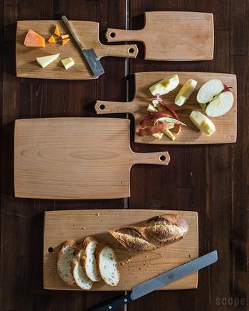 東屋のカッティングボードは、大きさによって名称が異なるのがポイントです。一番小さいものは、チーズボード、もっとも大きいものはカッティングボード#3と呼ばれています。