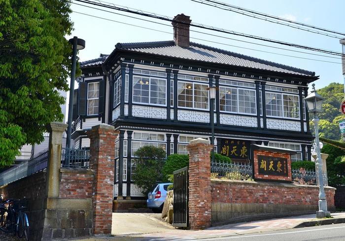 1894年(明治27年) にドイツ人のビショップ氏の自宅として建てられた異人館。現在は中華料理が楽しめるようになっています。