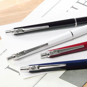 ビジネスシーンでもプライベートでも、お気に入りのペンと過ごす時間は心地のいいものです。手に馴染むお気に入りがあればきっと手書きが楽しくなるはず。今回は、おすすめの素敵なペンをご紹介します。