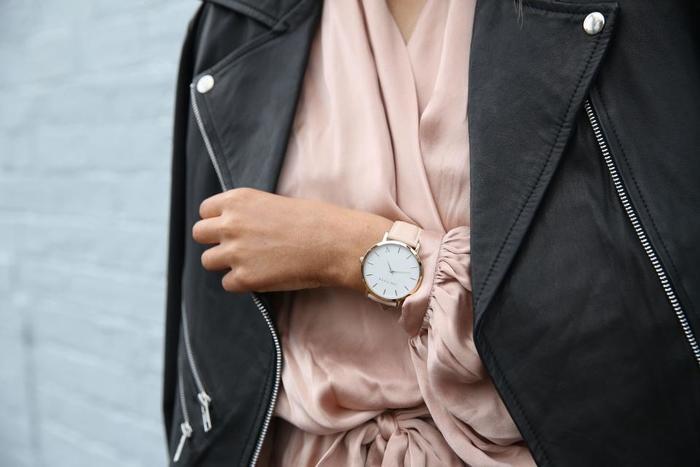 しなやかで繊細な女性の美しさを、より際立たせてくれる腕時計。本物が放つ、本物の輝きを、身につけてみませんか?おしゃれに敏感になる秋は、きっと素敵な時計に出会えるチャンスです。