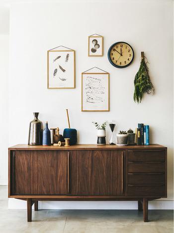 お気に入りアイテムを好きなレイアウトで壁に飾る「#壁面インテリア」の特集はいかがでしたか?カフェのようなおしゃれ空間をぜひ実現させてみてくださいね。