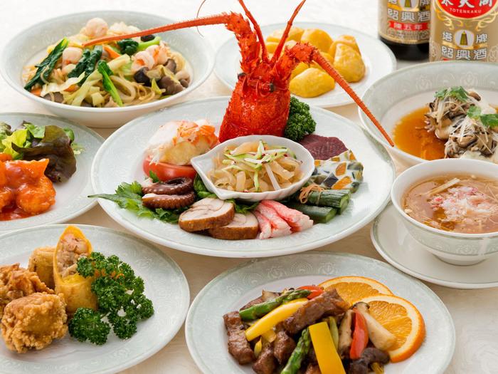 こちらでは正統派の本格的な中国料理を楽しむことができます。内装や調度品と共に、非日常的なひとときをお楽しみください。