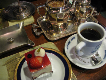 特別な空間で頂くお茶は格別。他では味わえないひとときをお楽しみください。