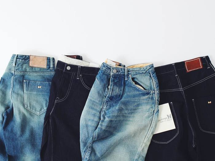 ジェーン・バーキンのトレードマークといえば、やはりこのジーンズ。シンプルな形のものから、ベルボトムタイプのものまで、幅広く愛用していたよう。