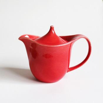 ■POTPURRI(ポトペリー) Våg(ヴォーグ)  POTPURRIはスウェーデン語で「混ぜ合わせ」という意味を持つ言葉。こちらのブランドは日本の陶芸の良さとスウェーデンを思わせるデザインが魅力です。シンプルでありながら温かみのあるフォルムが秋冬にぴったり♪