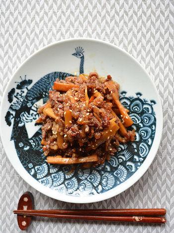 牛肉のうまみにメンマのシャキシャキ感がマッチ。味つけには生姜と柚子胡椒が使われていて、ほどよいピリ辛感が舌に残る大人の味です。