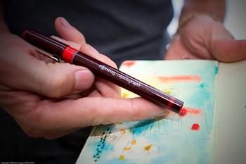 ドイツのロットリング社は精巧なペン先をもつ筆記具で名を馳せたプロ御用達メーカー。その使いやすさ、精密さから製図用ペンのロングセラーとなっています。 インクやペン先の交換などに手はかかりますが、長く愛好者の支持を得ています。