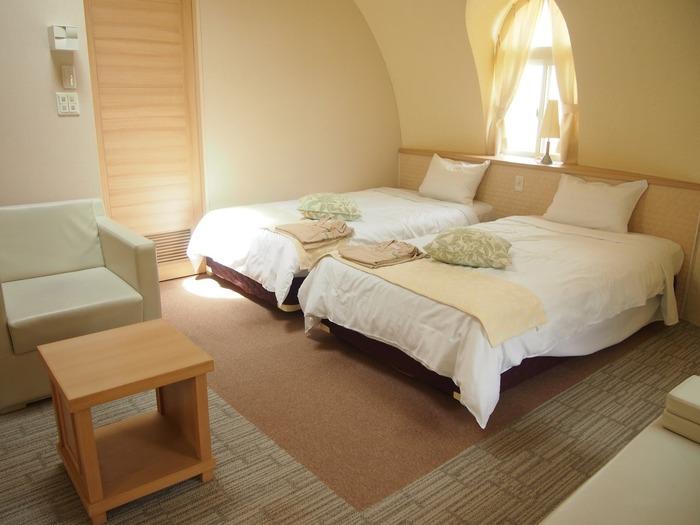 ドームの内部は、包み込まれるような安心感が。和室タイプと洋室タイプがあり、訪れる人数やシーンによって選べるのもうれしいですね。