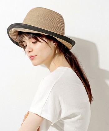 フレンチなファッションスタイルを得意としていたジーン・セバーグは、帽子やスカーフ使いがとっても素敵♪定番のコーディネートに個性的な帽子をプラスして、彼女らしい着こなしのアクセントにしていたようです。