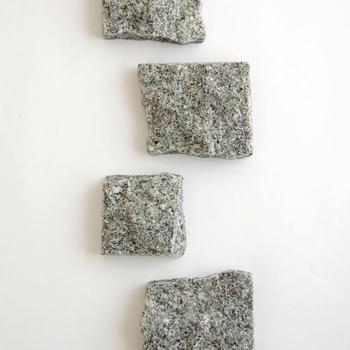 これまでの石製品のイメージを一新し、石の持つ魅力を再発見できる「 AJIPROJECT(アジプロジェクト)」のアイテムの数々。こちらで紹介した以外にもたくさんの魅力的なアイテムがあるので、興味を持たれた方は以下のリンクをのぞいてみてください。魅力たっぷりの庵治石のアイテムにたくさん出会えるかも。