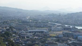四国、香川県高松市の左隣に位置する牟礼町(むれちょう)・庵治町(あじちょう)。