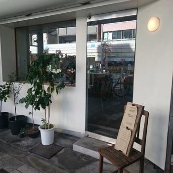 松屋町駅から歩いてすぐ、まっちゃまち筋商店街に店を構える「コーヒーハット」は、自家焙煎のコーヒーが人気。ゆっくりとコーヒーを味わいたい方におすすめです。