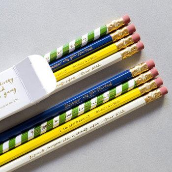 あえて鉛筆、という選択もおしゃれではありませんか?