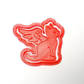 こちらは、クリスマス用に天使の羽をもらった子猫のクッキーカッターだとか。ストーリーがあって、楽しいですね。