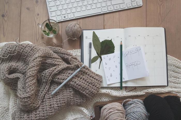 編み物やソーイングなどに没頭していると、時間が過ぎるのがあっという間です。