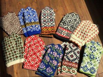 繊細で美しい編み込み模様が特徴の東欧のニット小物たちをご紹介しました。自分で編んでみたい!という人は、時間をかけてじっくりチャレンジしてみてくださいね。