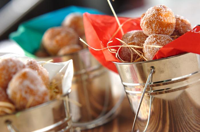 ダイエット効果でも注目されるココナッツオイルを贅沢に使って作るドーナツ。美容に気を使うお友達への手土産にも喜ばれそうですよ。