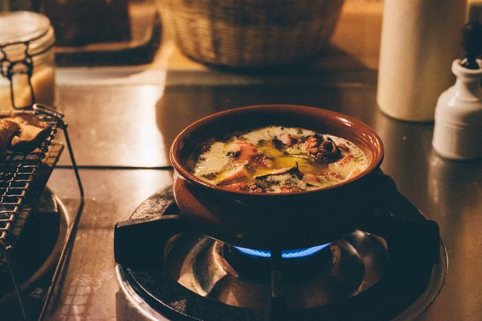 温かいうちにいただきたい料理も増えてきます。レンジや耐火OKの陶磁器を選べば、普段使いとして扱いやすいでしょう。