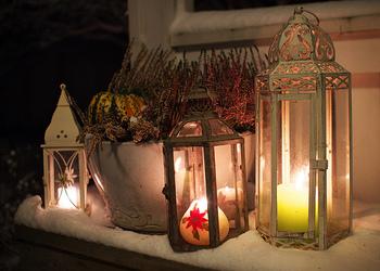 北欧にこれは欠かせません! クリスマスにはぜひ、お部屋がもちろん、ゲストをお迎えする玄関まわりにもキャンドルを灯してみて下さい。 種類も豊富ですし、間接照明で幻想的なクリスマスになります^^