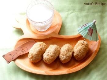サツマイモと白ごはんの一風変わったおはぎ。お砂糖は入れなくてもサツマイモの甘みだけでおいしくいただけます。子供のおやつにもぴったり!