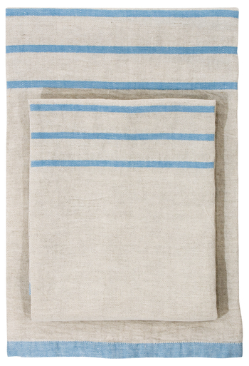 【Bath towel 70×130cm】【Multi-use towel 95×180cm】 バスタオルとして一度使うと、ほとんどの人がその快適さに手放せなくなるそう。通気性がよく雑菌を抑えてくれるリネンは湿気がこもりがちなバスルームにもピッタリです。  また、軽くてかさばらないので持ち運びにも便利。ブランケットとして掛けたり、野外のラグマットとして使っても。