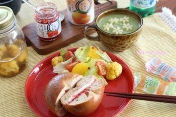 パスタそのものが雪の結晶の形。スープやソースもよく絡み、可愛く美味しく食べられます。