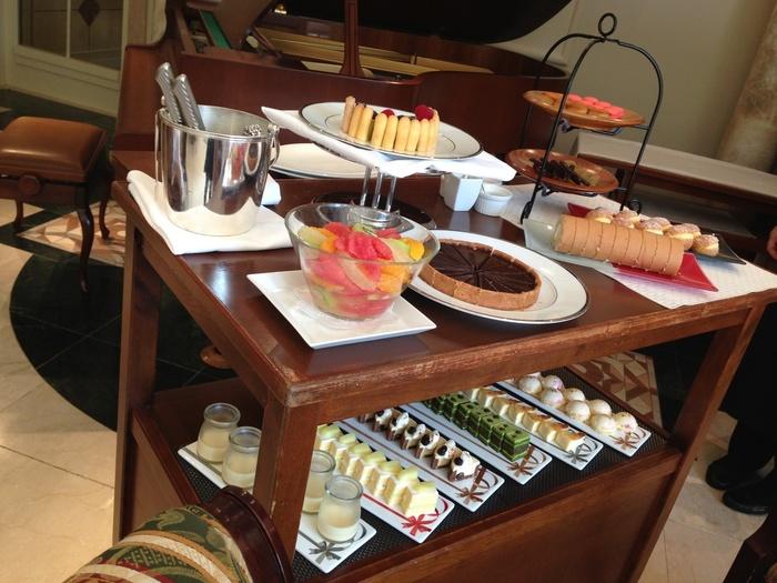 なんといっても女性に人気が高いのはワゴンサービスのデザート。プランによっても異なりますが、お好みのケーキやスイーツを好きなだけチョイスすることができるのです。ひとつひとつ丁寧に作られたケーキにテンションが上がります。