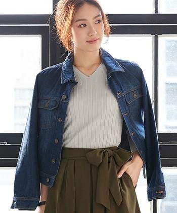 デニムパンツ・スカート・ジャケット・コートなど、手持ちのアイテムをより一層オシャレに引き立ててくれる。それが「リブアイテム」なんです。