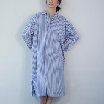 THOMAS MASONのストライプがトラディショナルな雰囲気。メンズライクな雰囲気がオシャレな一着ですね。