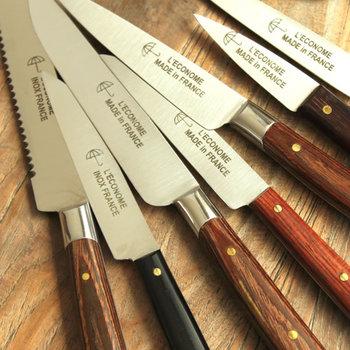 刃物専門メーカーらしく、ナイフひとつにも様々なサイズ展開がありますので、自分の手に馴染むサイズを探してみてはいかがでしょうか。