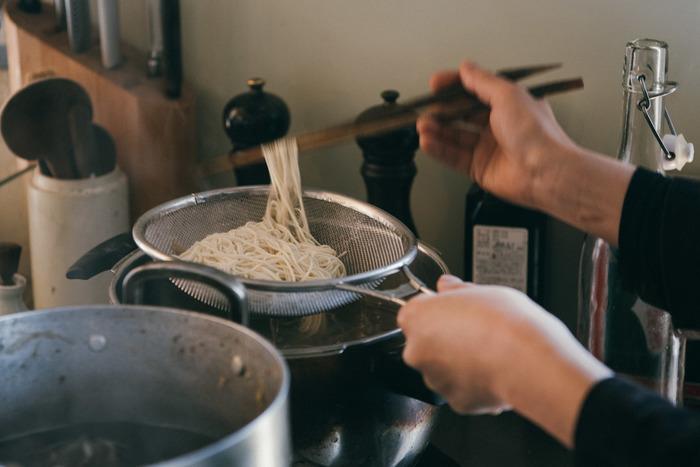 いかがでしたか?ただ便利というだけでなく、ビジュアルも素敵だと気分も上がりますよね。ぜひ、便利グッズを上手く活用して、お料理時間を有意義なものにしてくださいね♪